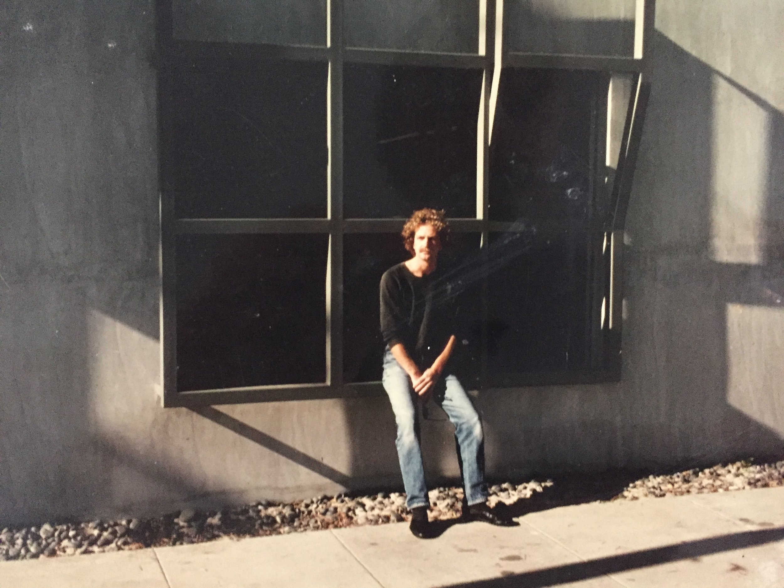 - Our story begins in 1978 when artist David McAuliffe, came to Venice CA, and founded Angles Gallery, where he exhibited numerous pioneers of minimalist art.