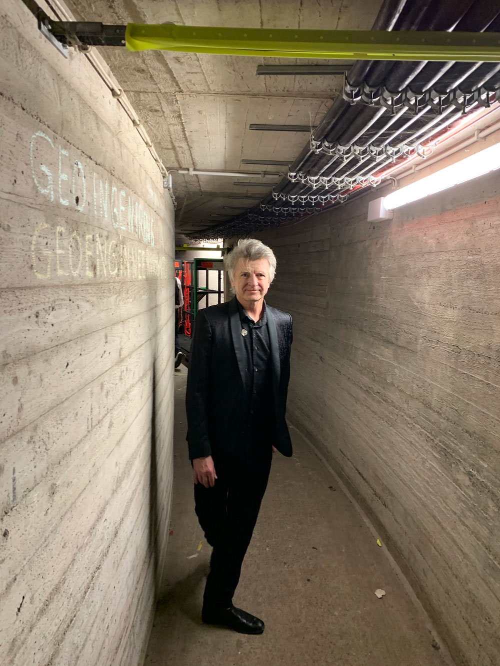 Neil-backstage in Berlin.jpg