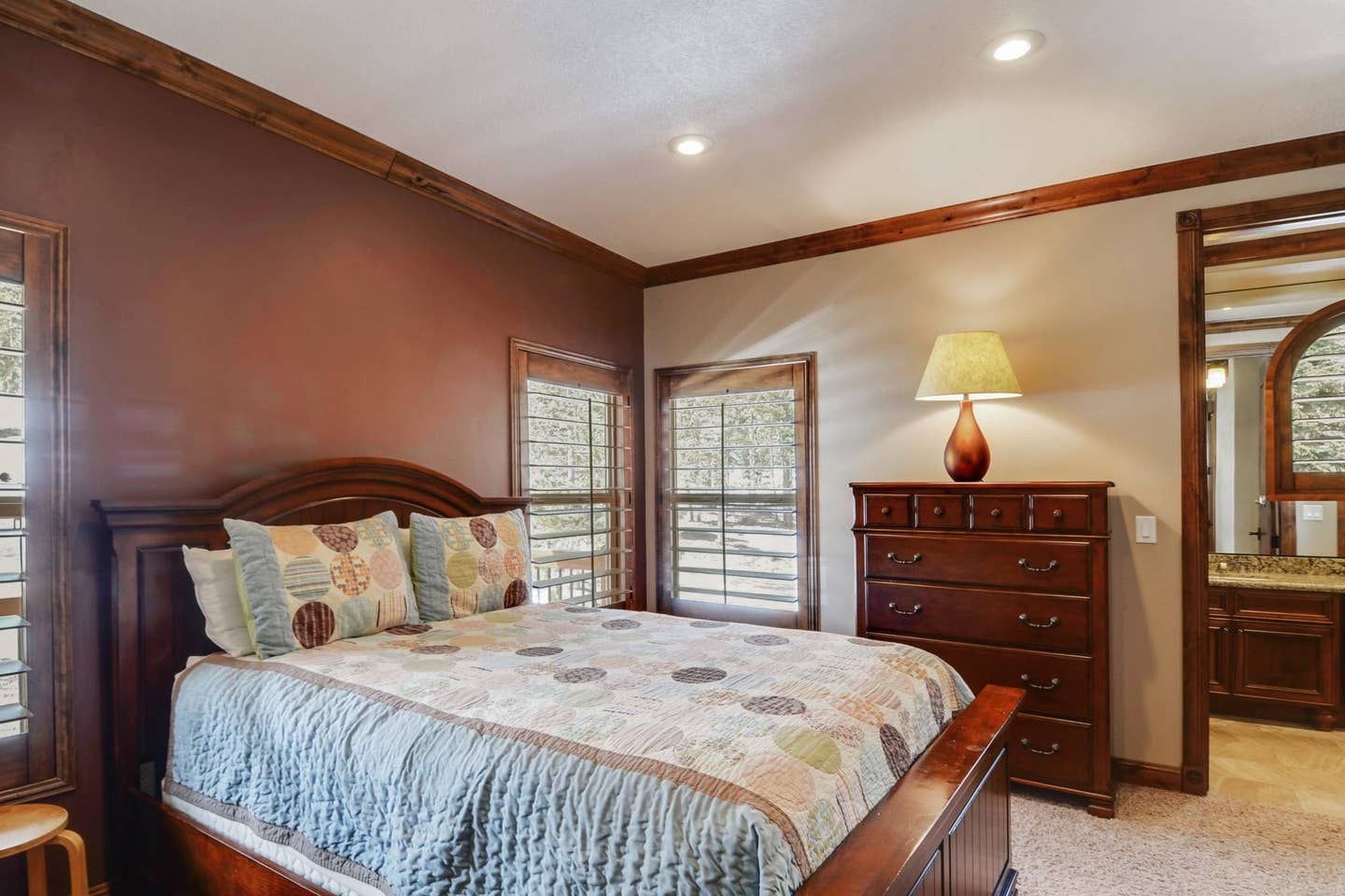 Private Suite: Queen Bed, Private Bathroom.  $2,900