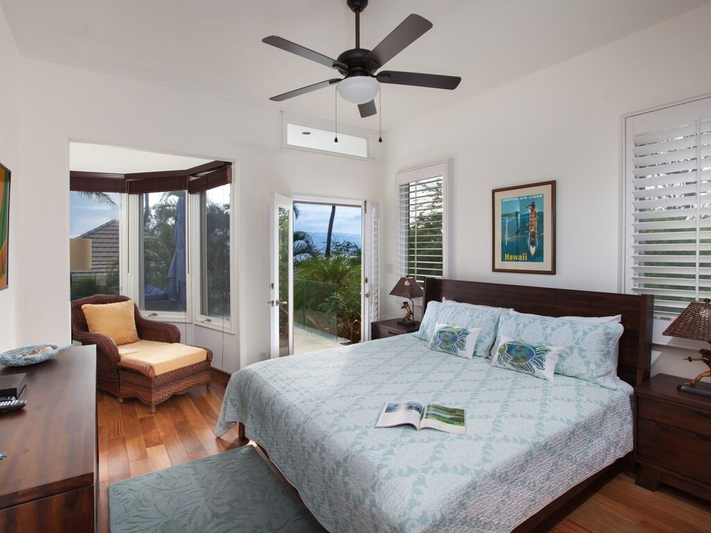 Private Suite: King Bed, Private bathroom.  $3,225