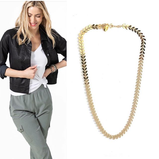 FOTF representing Jennifer Tuton will be teaming up with Peach athleisure this Thursday from 6:30-9 pm Great gifts for Mothers Day and Graduation! DM for more info #lookgoodfeelgood #jennifertutonjewelry #jewelry #fashion #style #comfortstyle #mothersday #graduation #gifts