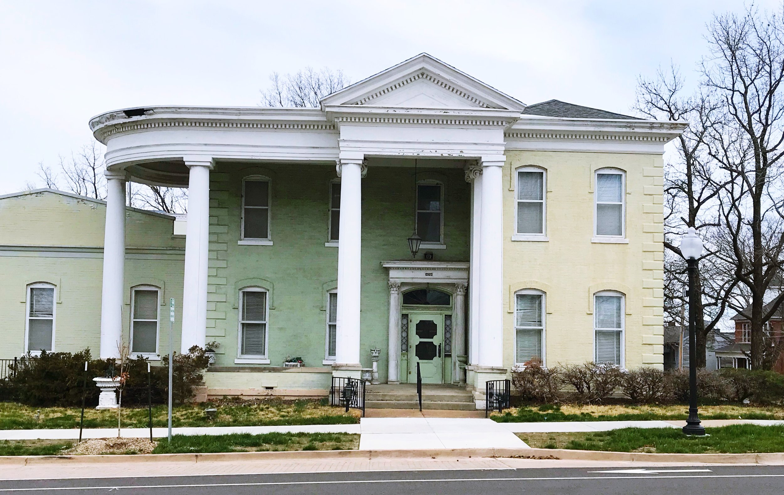 129 Capitol Ave