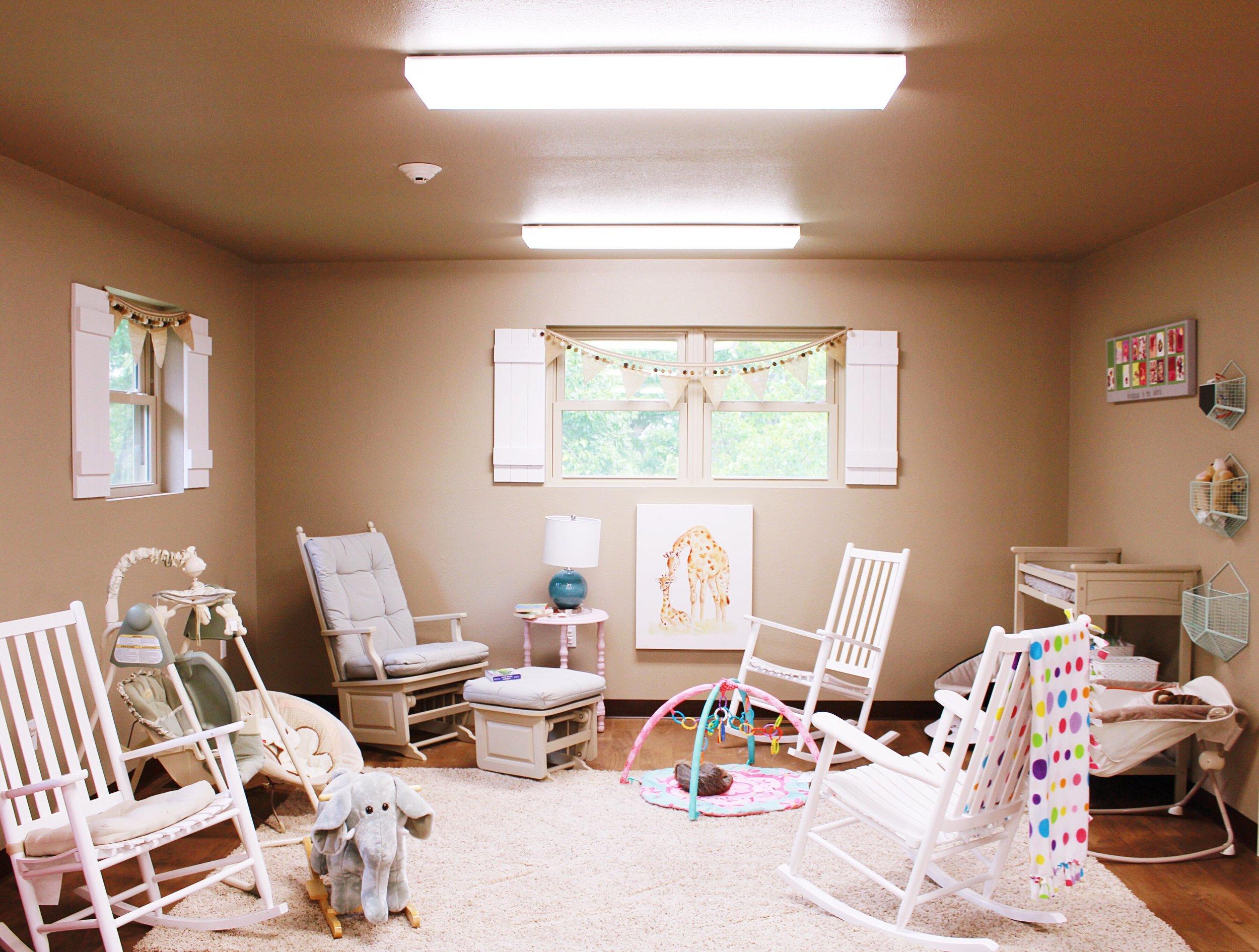 halo-house-baby-room-jefferson-city-mo-jeff-city-blog-home-for-homeless-teenage-girls