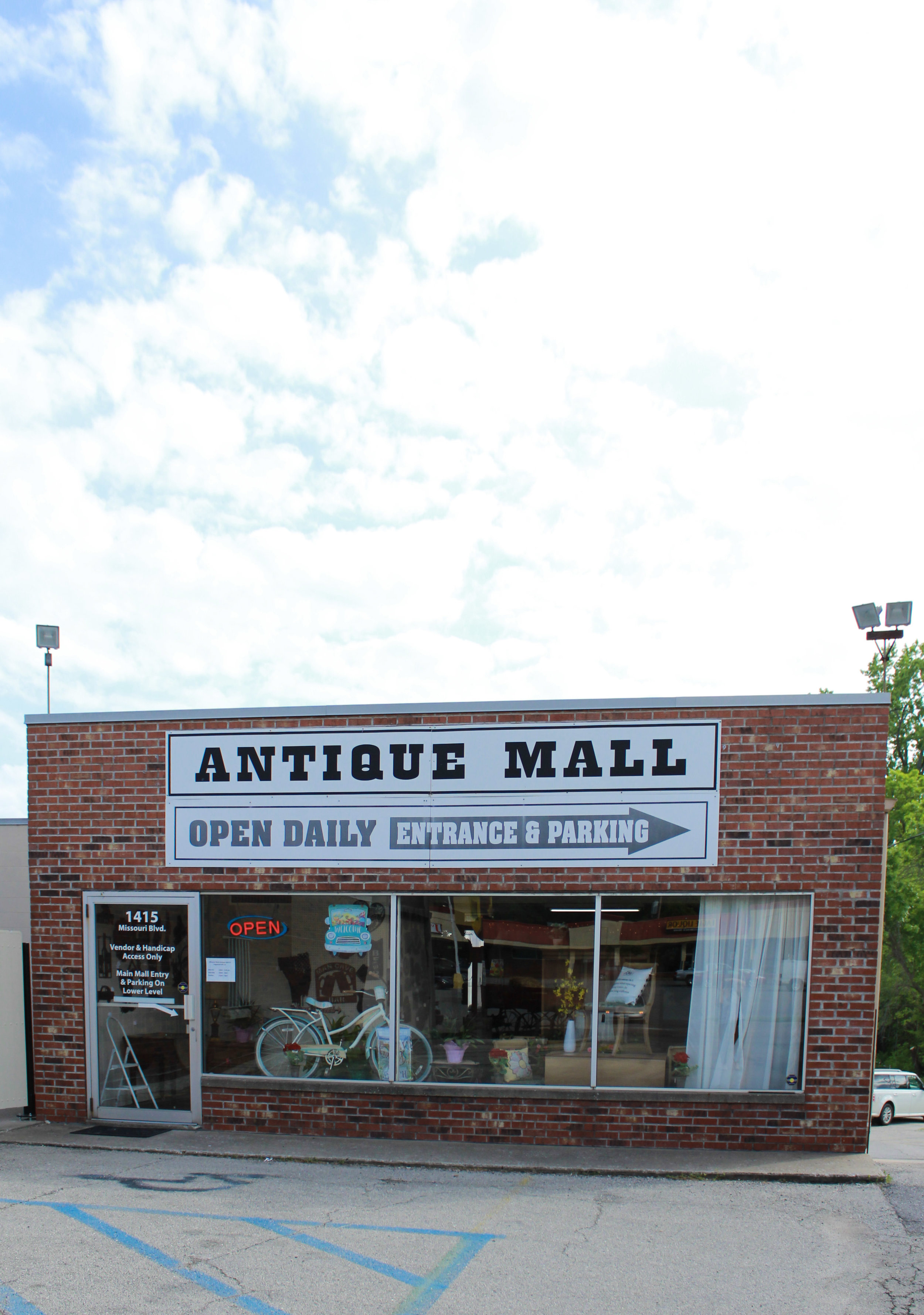 Guardians-of-the-Boulevard-Inside-the-Revived-and-Revered-Missouri-Boulevard-Antique-Mall
