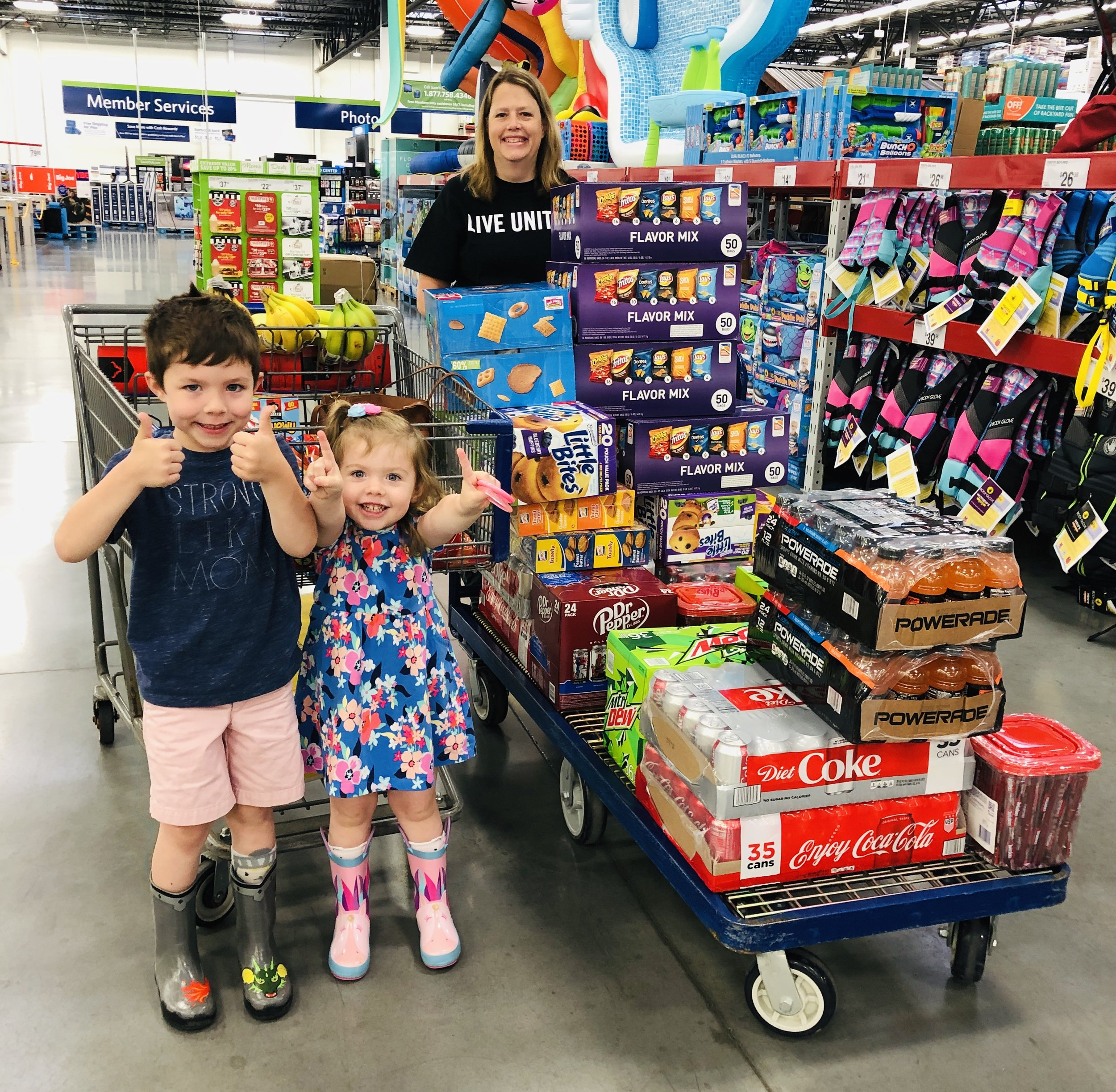 tornado-volunteers-capitol ave-jefferson-city-mo-jeff-city-donations-kids
