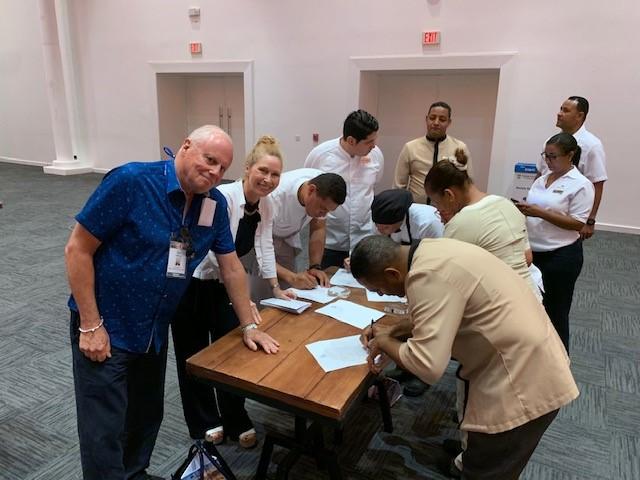 DR winner signing.jpg