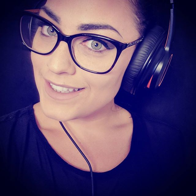 It's WEDNESDAY!! which means I'm Streaming another play of #horizonzerodawn  join me on #twitch  TONIGHT 8-11PM EST 💞✌️🎮 #followme  on twitch @alexa_squad