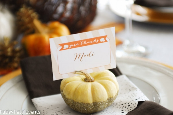 {Glitter + gourd = striking place card holder for your Thanksgiving table! From  mypapercrush.com }