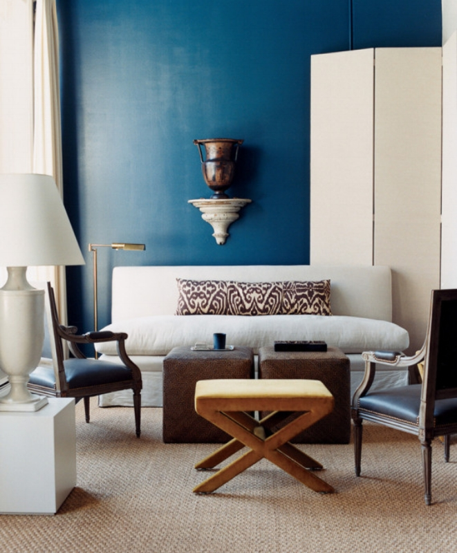 {Teal wall with cream accents. A little goes a long way with this color! From: Huffington Post.}