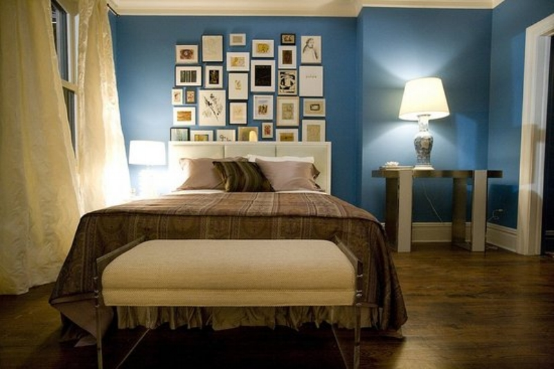 Carrie Bradshaw Sex and the City Blue Apartment Bedroom