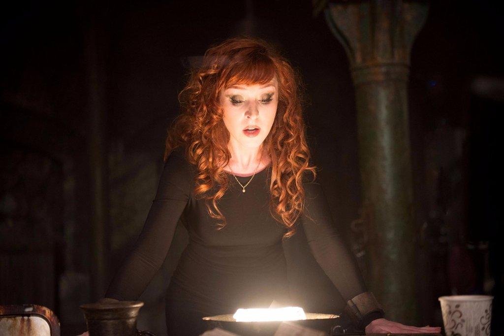 Supernatural-Rowena-GIFs.jpg