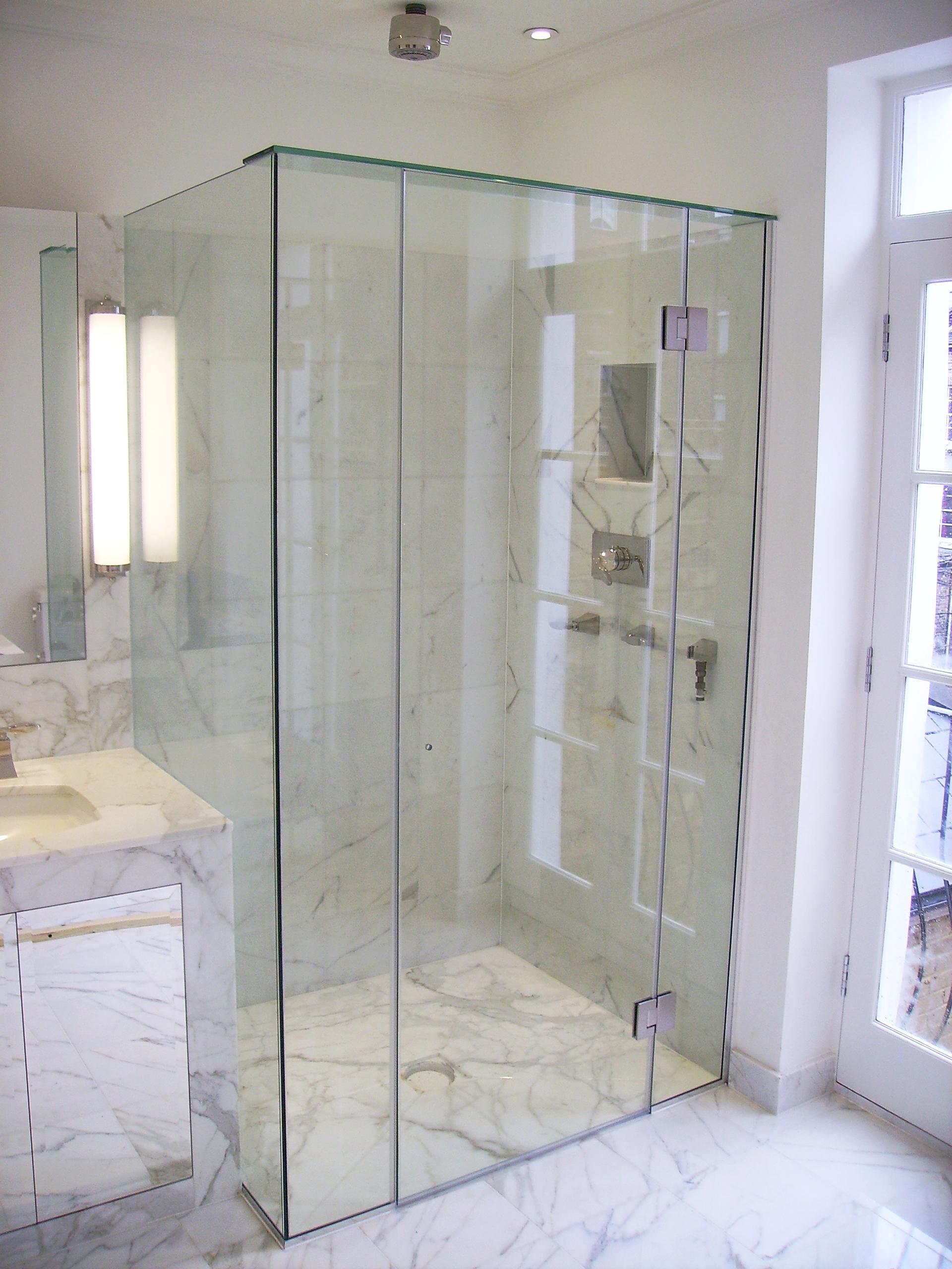 Shower Screens - SW5 - London - Brompton Glass 2.JPG