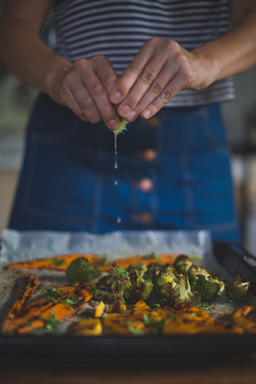 Verduras asadas con lima y cilantro