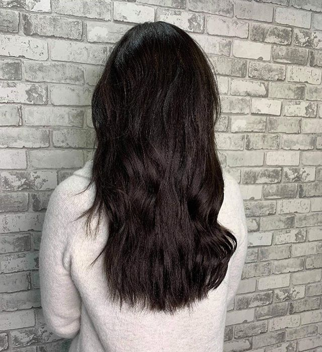 New hair who dis? 🙀 . ➡️ ➡️➡️ swipe to see the before . . . . @michellebona1  #hairstyles #hairextensions #sewinhairextensions #handtiedhairextensions