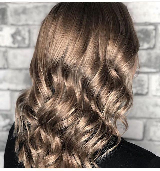Sandy blonde . . . . . @janlemoinehair  #hairstyles #blonde #balayage #studiomeraki #kenraprofessional #redken #kevinmurphy