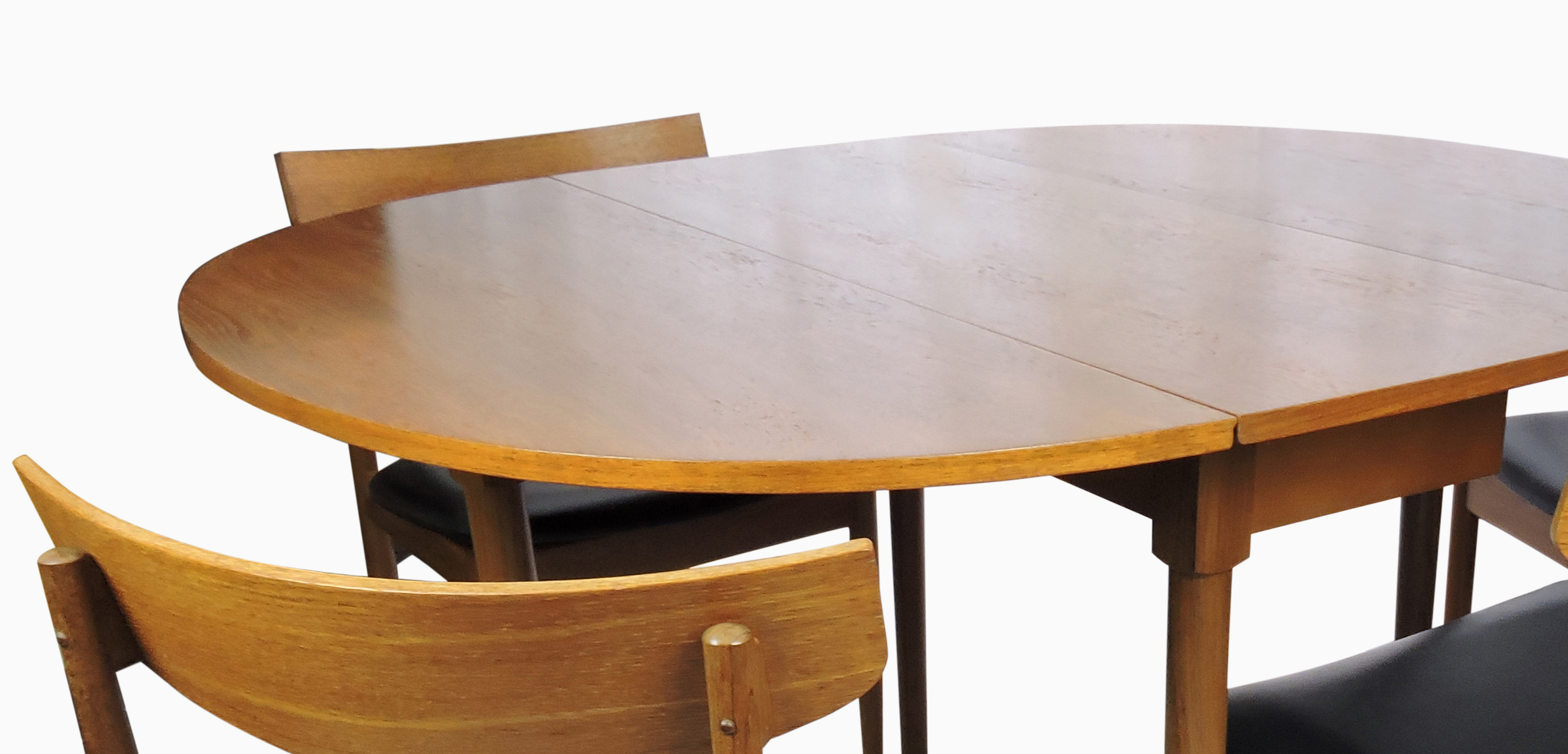 Dining + Kitchen Tables