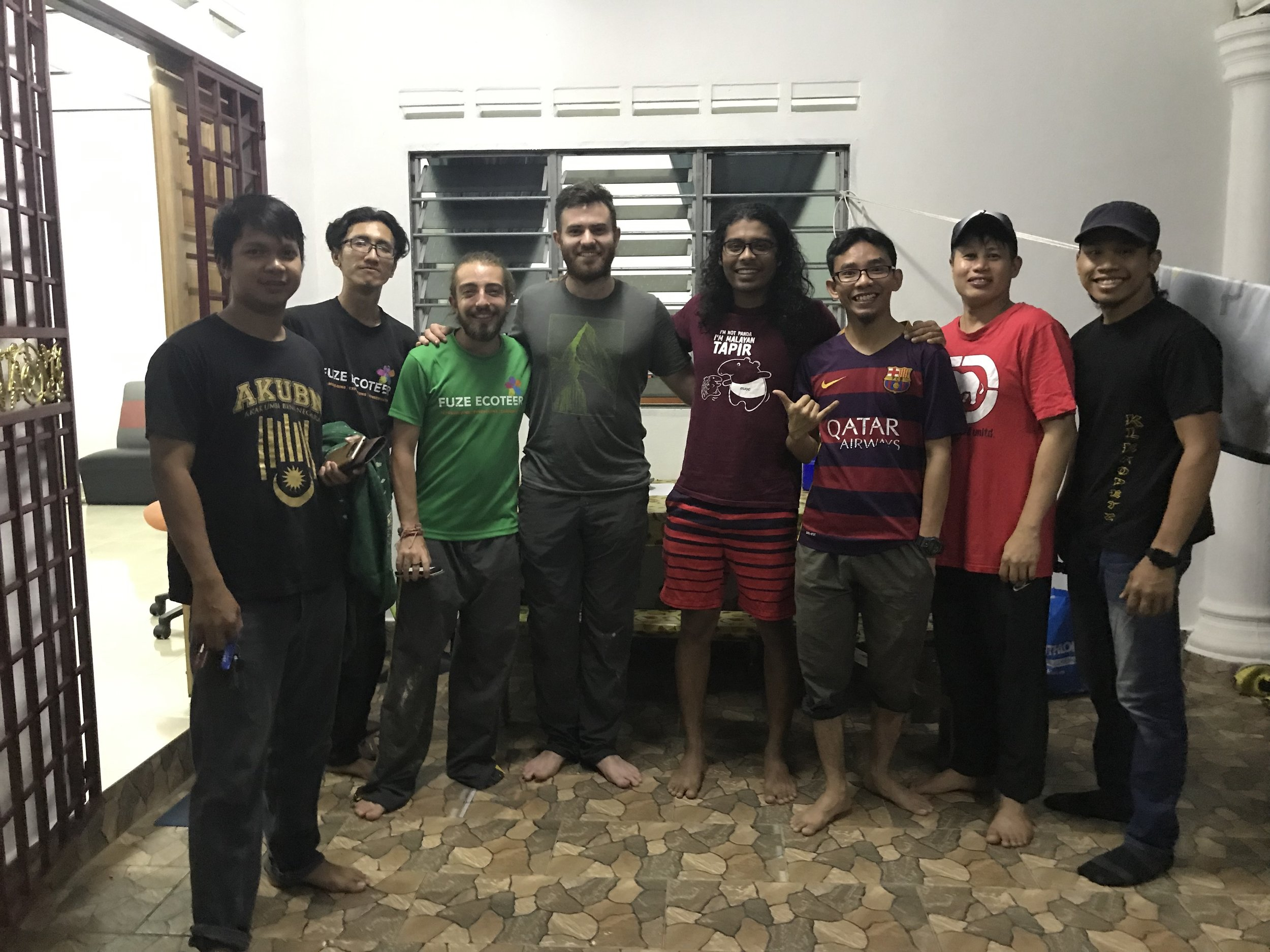 The Herp Gang (and some extras!) (L to R) Syafiq, Bawok, Jordan, Angus, Izereen, Ariff, Vince, and Boy