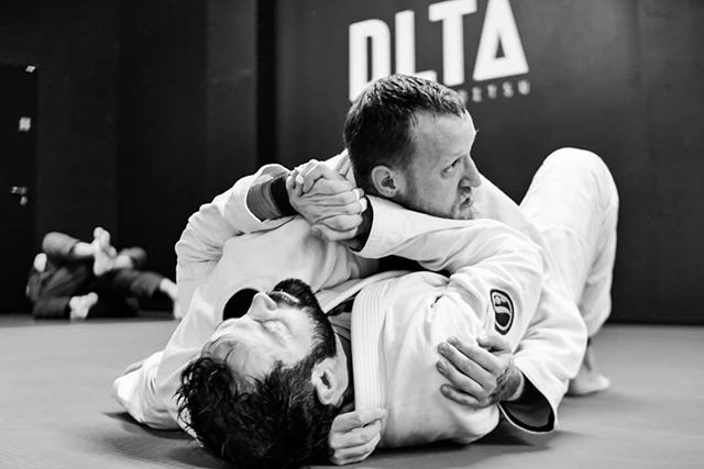 Friday night's at Delta. Lots of drills and some additional friendly kills. Training in an encouraging environment is one of the key elements for progression. #deltajj #bjjlifestyle #newschool #goodvibes #tubevsurban🤙