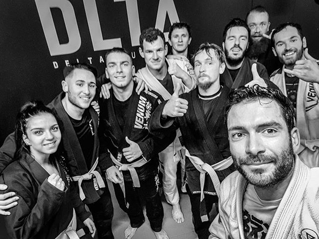 First Friday Insta Class. You guys get to chose. Today it was all about side control and mostly how to react when your opponent knows the same tech. but is 10+ kg heavier than you. #deltajj #korebjj #radiusmartialarts #jimsluxembourg #goodvibes