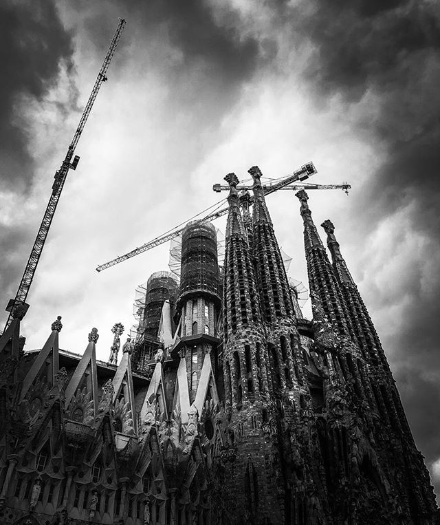#sagradafamilia #architecture #underconstruction #beautiful #barcelona #spain #outandabout #family #vacation