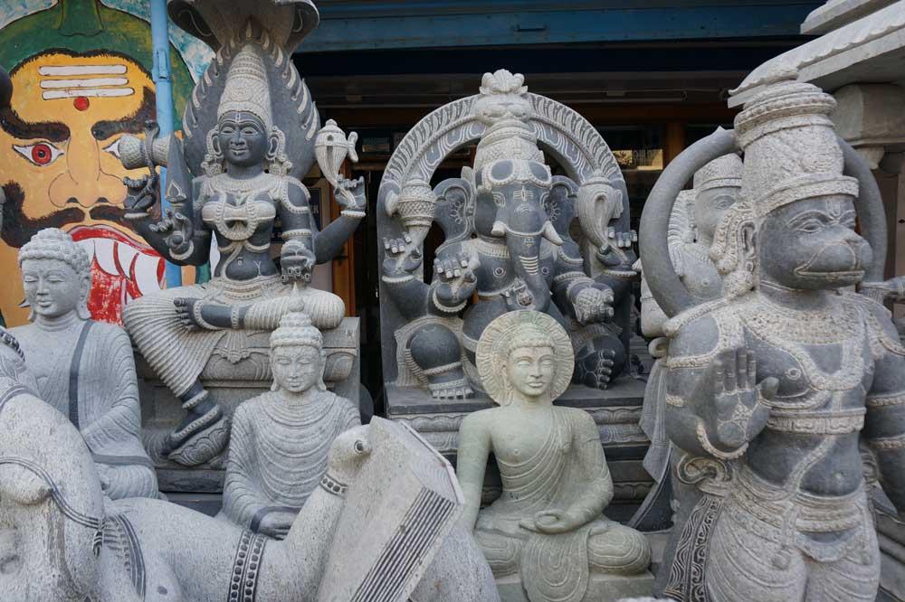 SCULPTURE MUSEUM   Das Museum beherbergt mehr als 3000 Skulpturen - die meisten von Göttern,