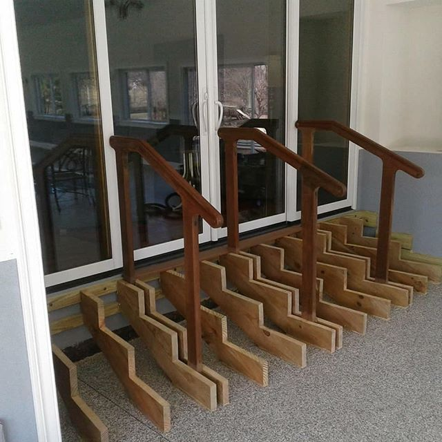 Curved stair #ipe#brazlianwalnut#lapacho#indoorpoolhouse#handrail#woodworking