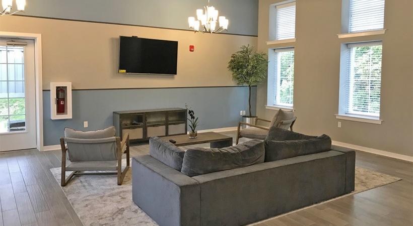 Landisville-Lounge-5-b225ffd3397521cc8e48d1c58dafd73e.jpg