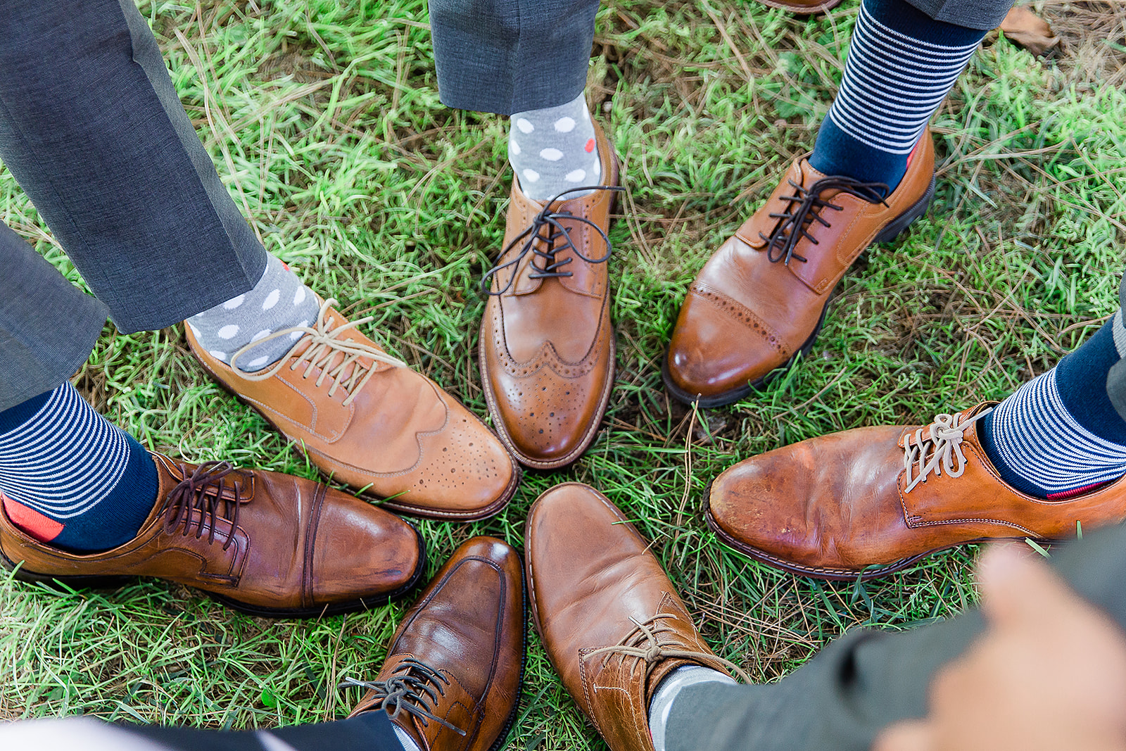 wildflowerphotoco-groomsmen-shoes.jpg