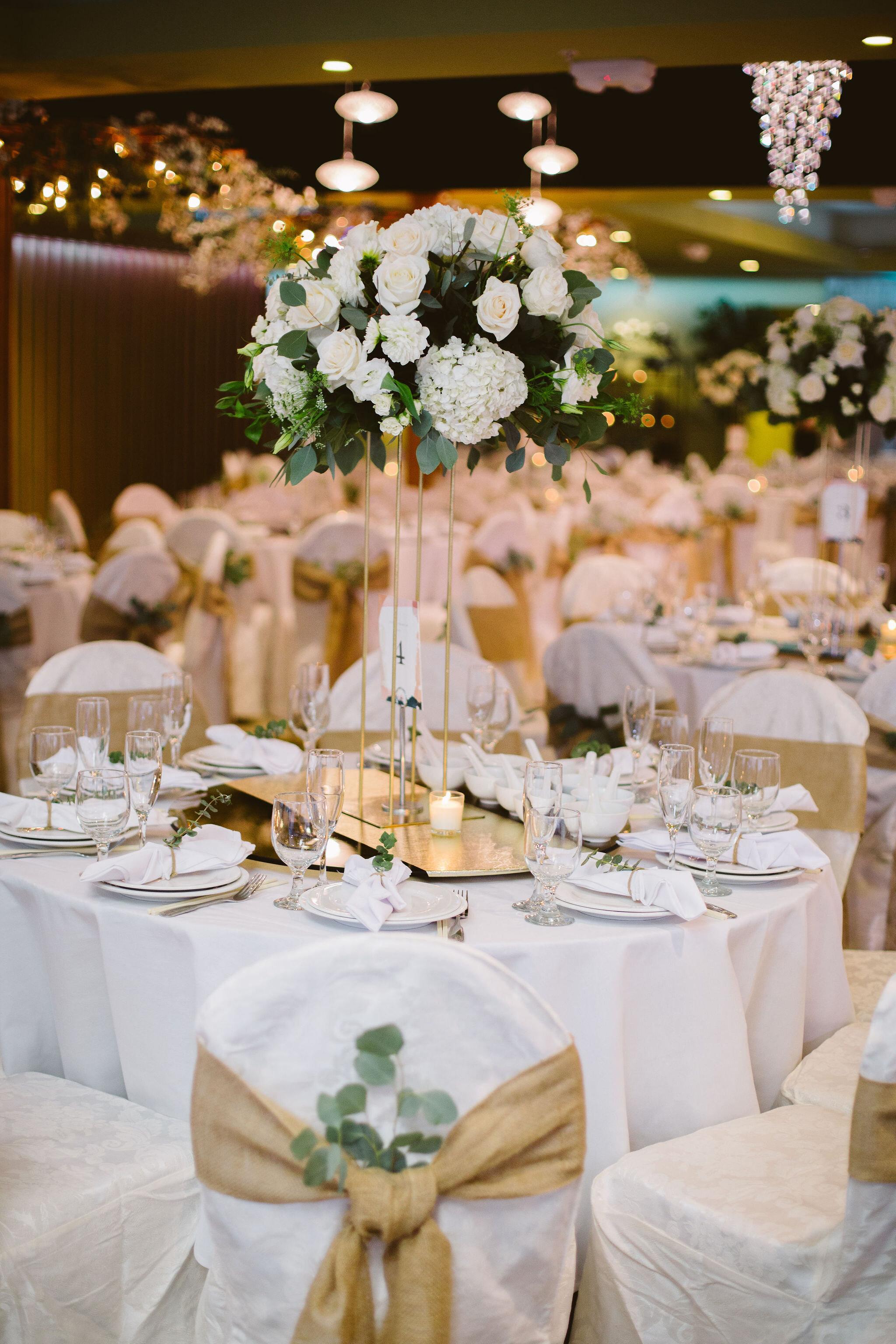 grand-garden-restaurant-dinner-table-setting.jpg