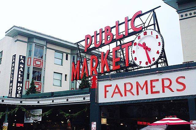 Just finished a lovely morning at @pikeplacepublicmarket . I definitely would recommend doing a food tour 😋. * * * * #foodie #paxtongoestoseattle #seattle #explore #pikesplacemarket #sundayfunday