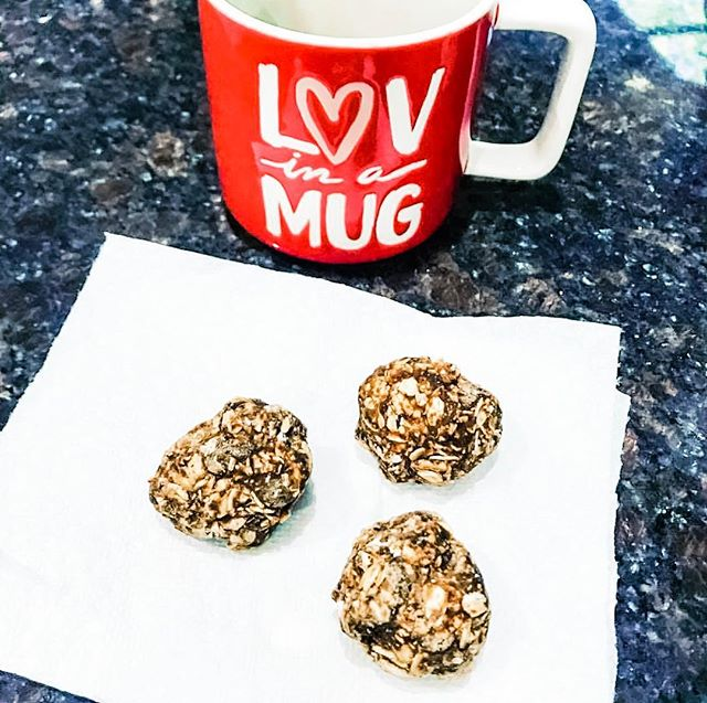 Healthy sweet treat ❤️   4-Ingredient Energy Bites are a quick, simple snack you don't have to feel guilty about.   Ingredients: 1 1/2 cups Rolled oats, old fashioned ( I used GF)  1/3 cup Maple syrup, pure 1/2 cup nut butter ( I used cashew)  1/3 cup milk chocolate chips or dark chocolate chips or instead of chocolate dried cranberries. ( who wouldn't want chocolate🤔) Add all of the ingredients to a large bowl. Mix together -Cover and chill in a refrigerator for at least 30 minutes. Grab a tablespoon full of the mixture and press it into a ball with your palms.  Makes about 14 ( store covered in the fridge)  Enjoy ❤  PS - also goes great with your morning cup of Joe    #food #foodporn #yum #instafood #coffeelover #yummy #amazing #instagood #photooftheday #sweet #living4lyfe #lunch #breakfast #fresh #tasty #food #delish #delicious #eating #foodpic #foodpics #eat #hungry #foodgasm #hot #foods