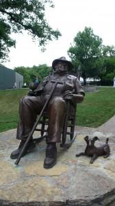 noe statue