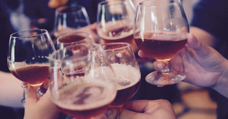 drink beer cheers
