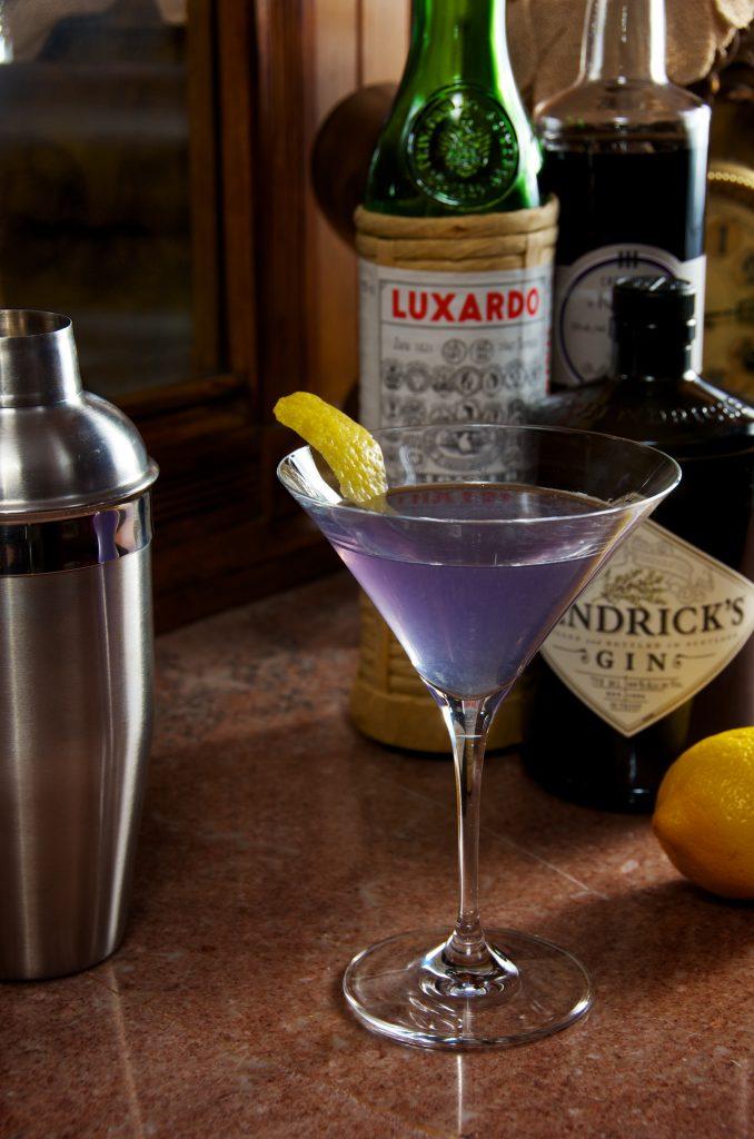 Aviation cocktail via Dennis Wilkinson, Flickr