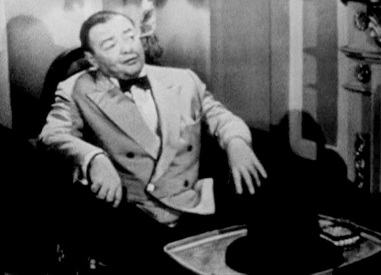 Peter Lorre as Le Chiffre, water aficionado, in 1954's Casino Royale (screencap)