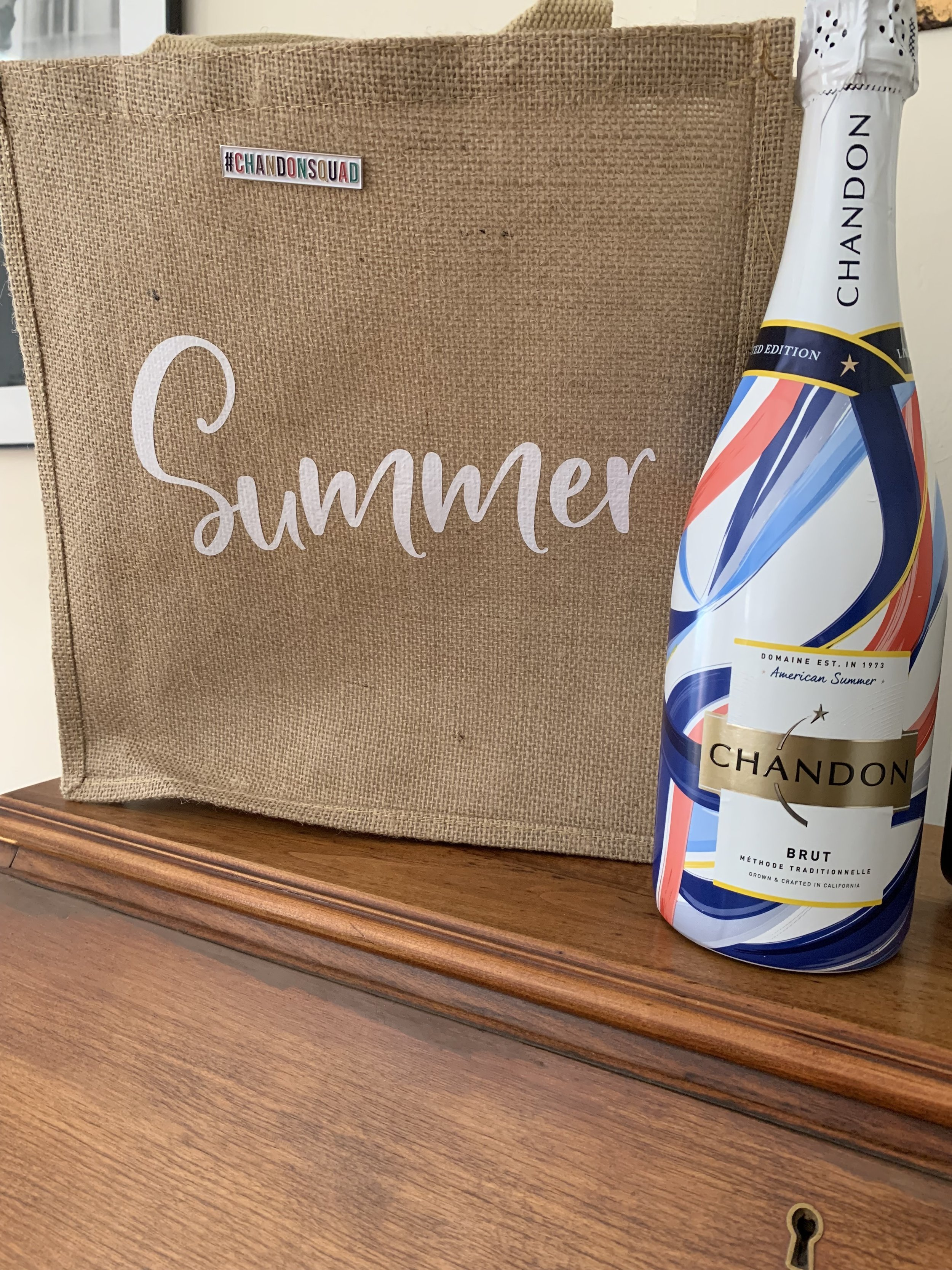 packing up the bubbly for more summer fun! photo by Amanda Schuster