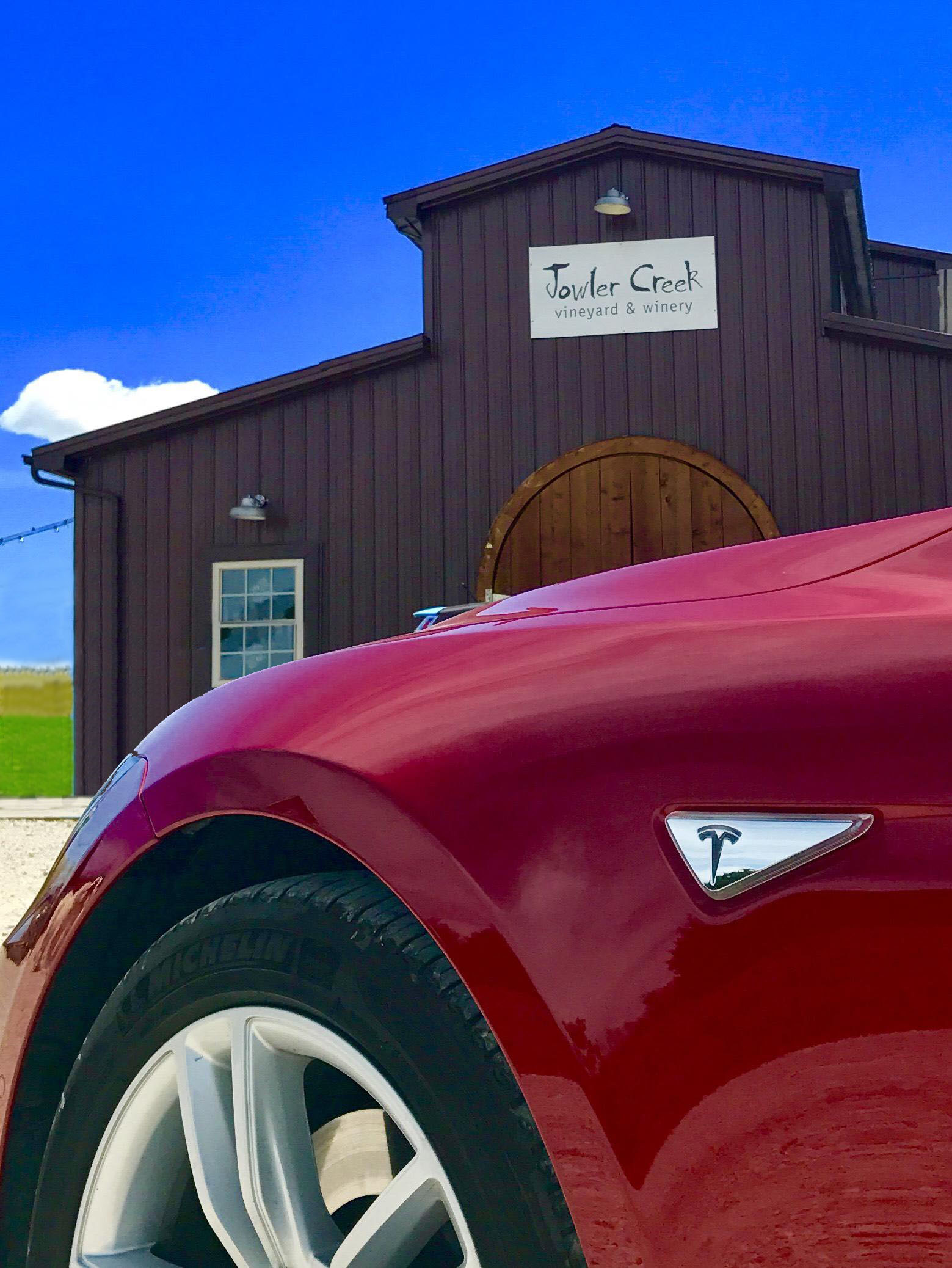 jowler-creek-sustainable-winery-tesla-destination-chargerjpg