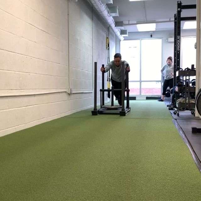 What's your favorite type of conditioning? Tell us in the comments! Here we've got the prowler, some rowing and everyone's favorite - the assault bike! @rrrrachele loves it! @aja.burch prefers the prowler. * To learn more about conditioning, plus the hows and whens to add it in to your training, listen to our latest episode all about it! * #morefemalestrength #getloudandtakeupspace #conditioningandstrength #prowlerflu #airdynehairblow #ergsaremadeforsitting #whatisyourfavorite #ucanrow2 #rowready