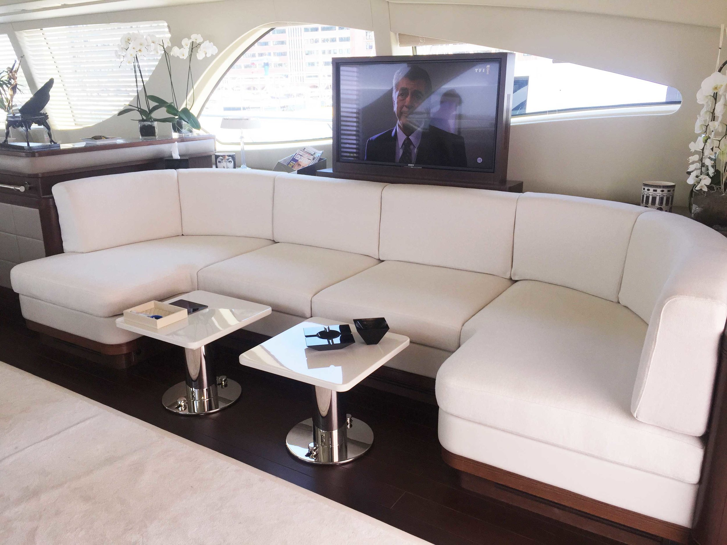 banquette,-yacht,-monaco,-blanc,-tissu,-gainage.jpg