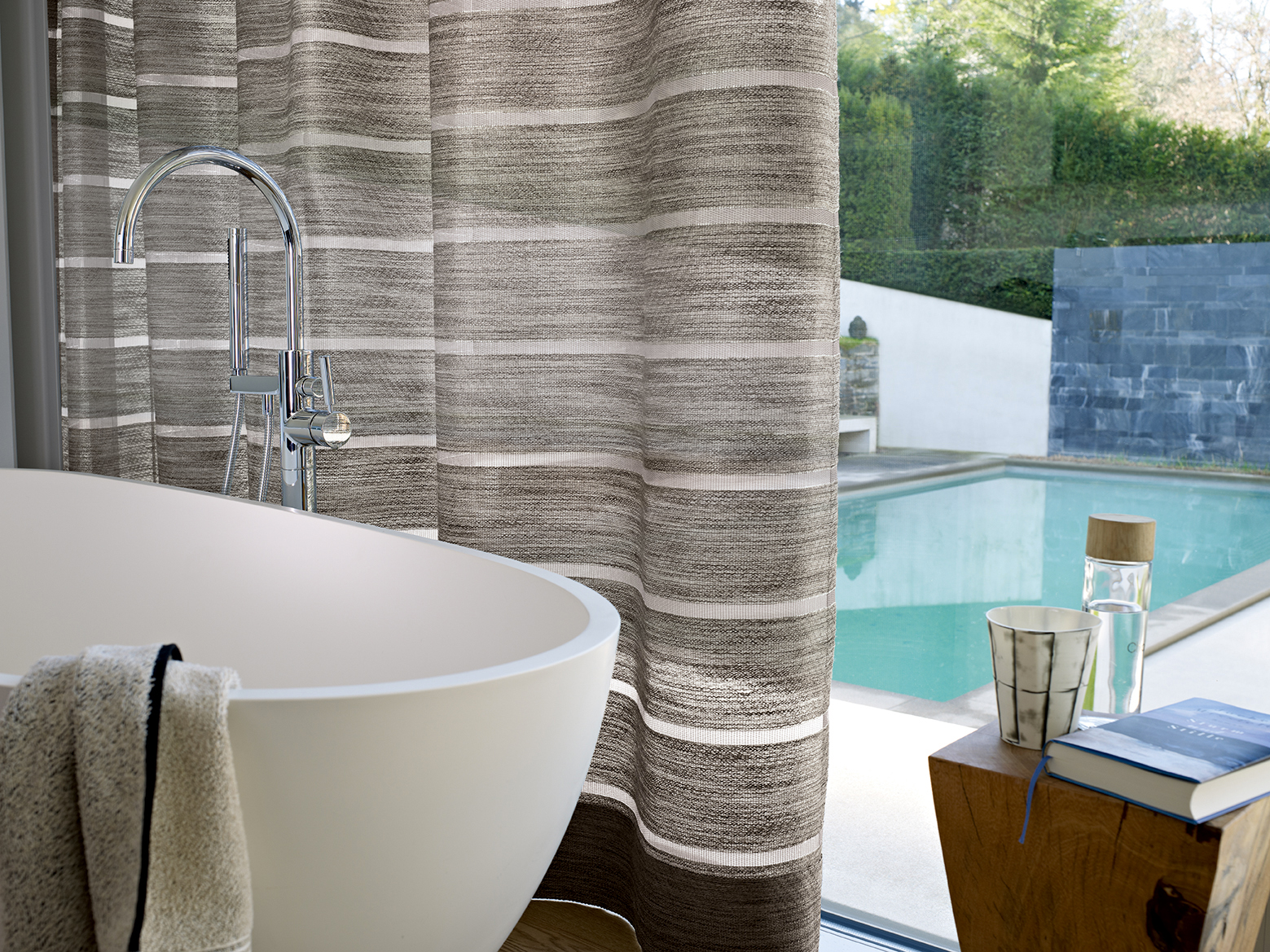 voilage,-ondulation,-piscine,-salle-de-bain.jpg