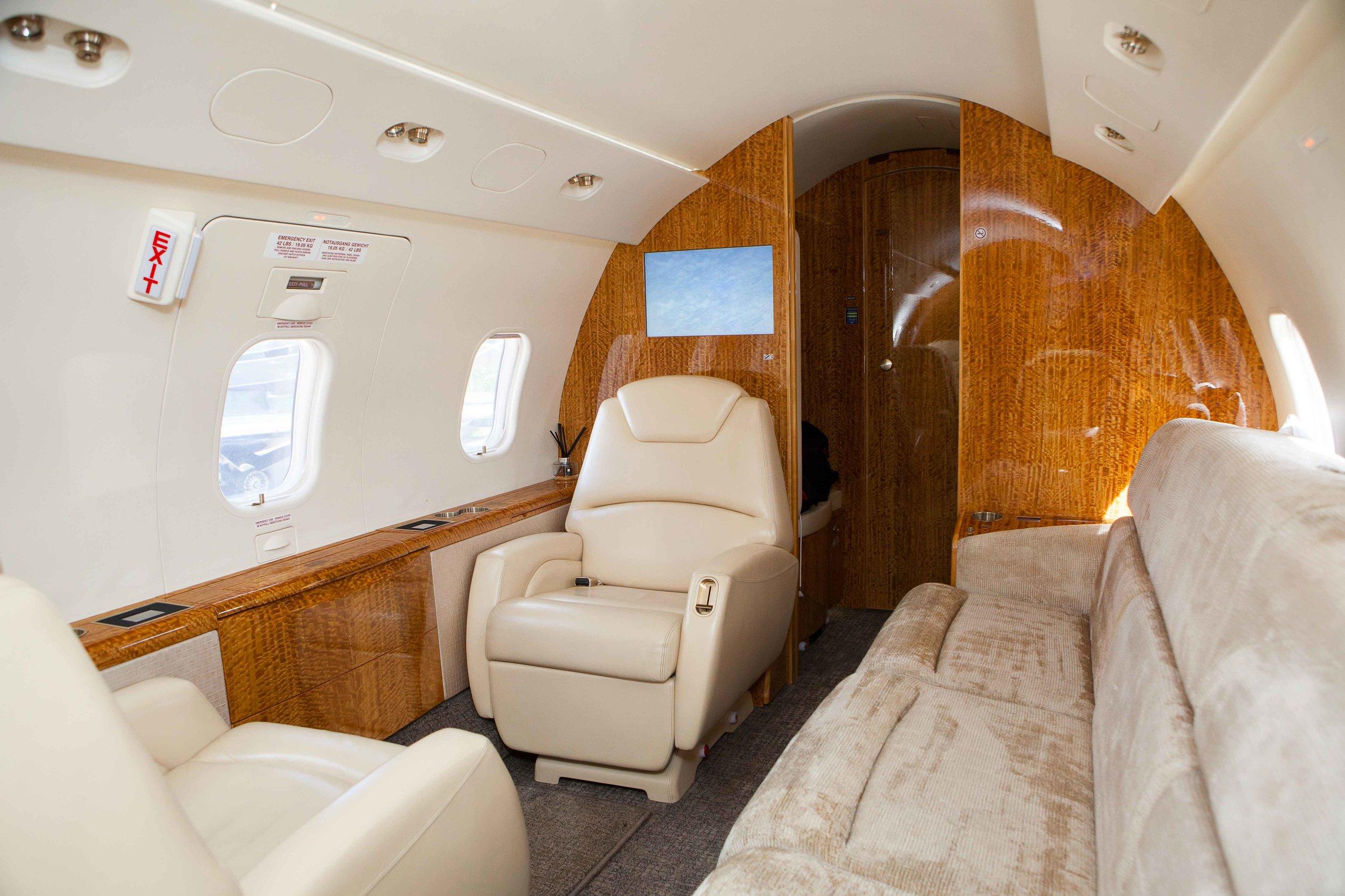 avion,-banquette,-sellerie,-gainage,-jet, interieur.jpg