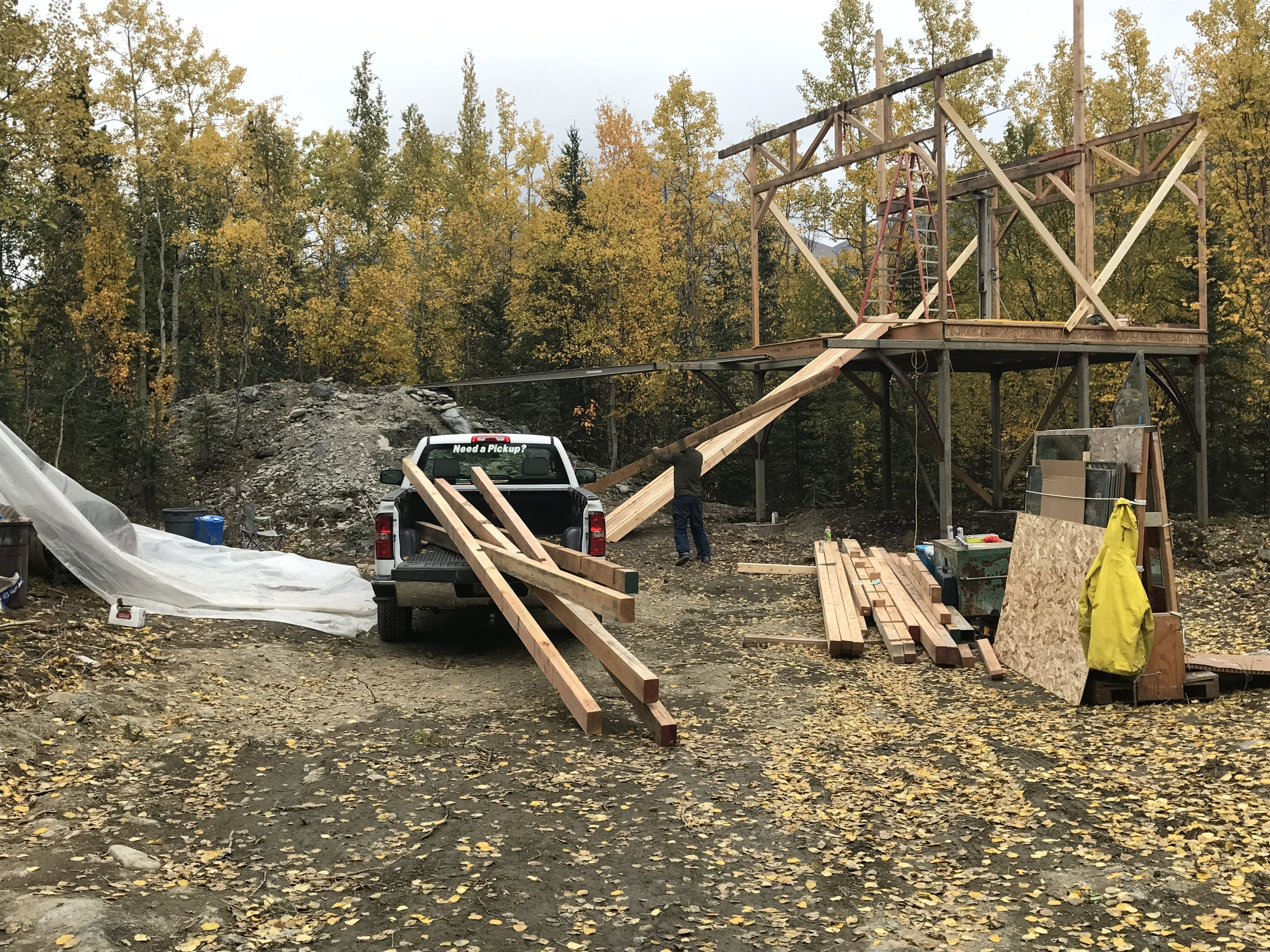 First standing the outside walls with girder trusses.