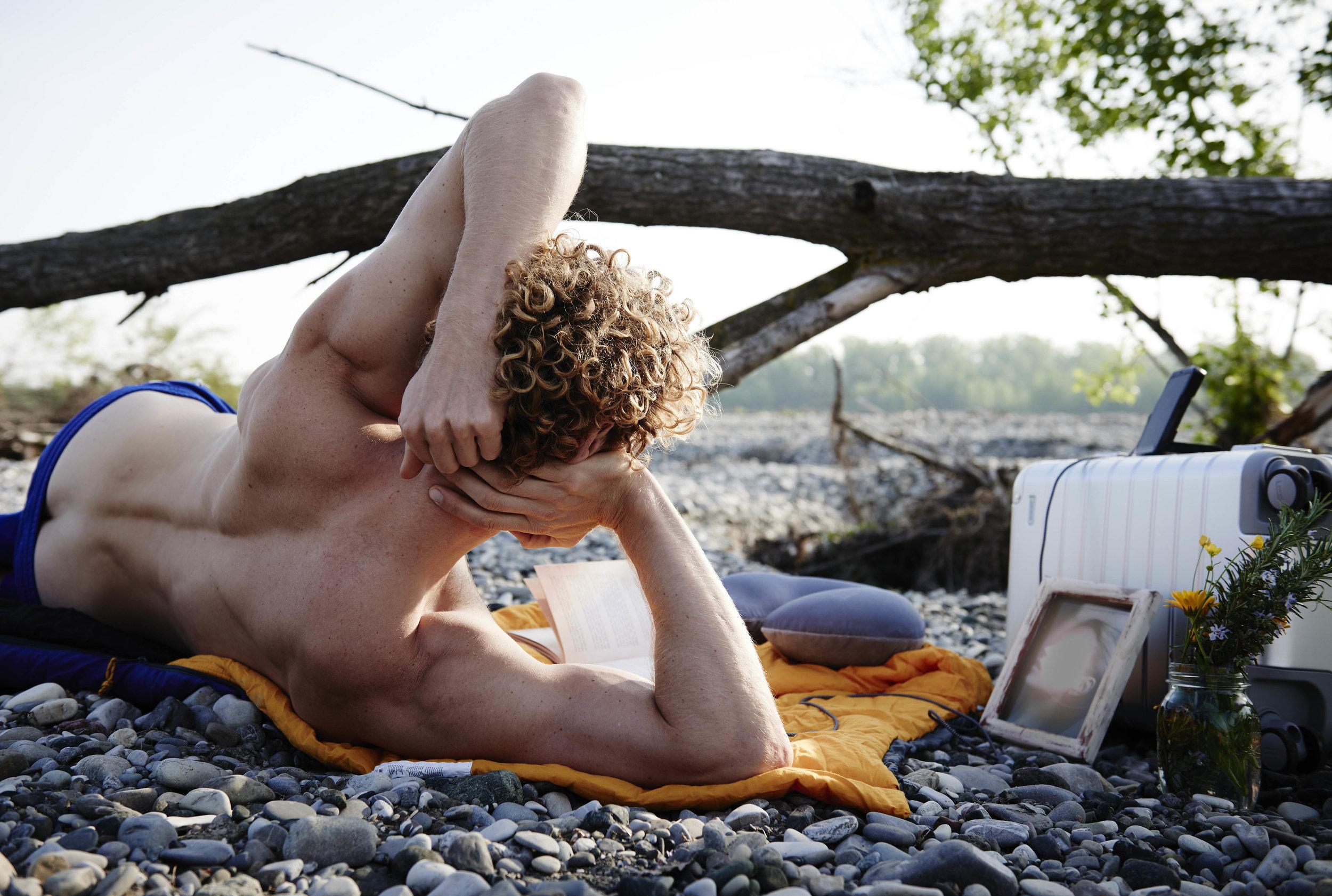 sweatpants  Andrea Pompilio  suitcase  Away