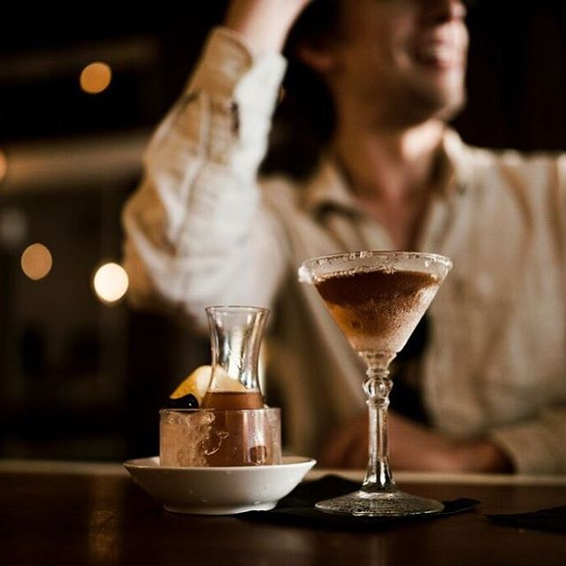 The earthy, umami notes in our Manhattan on Tap come from our bartender Richie B.'s house-made leather bitters 🏆