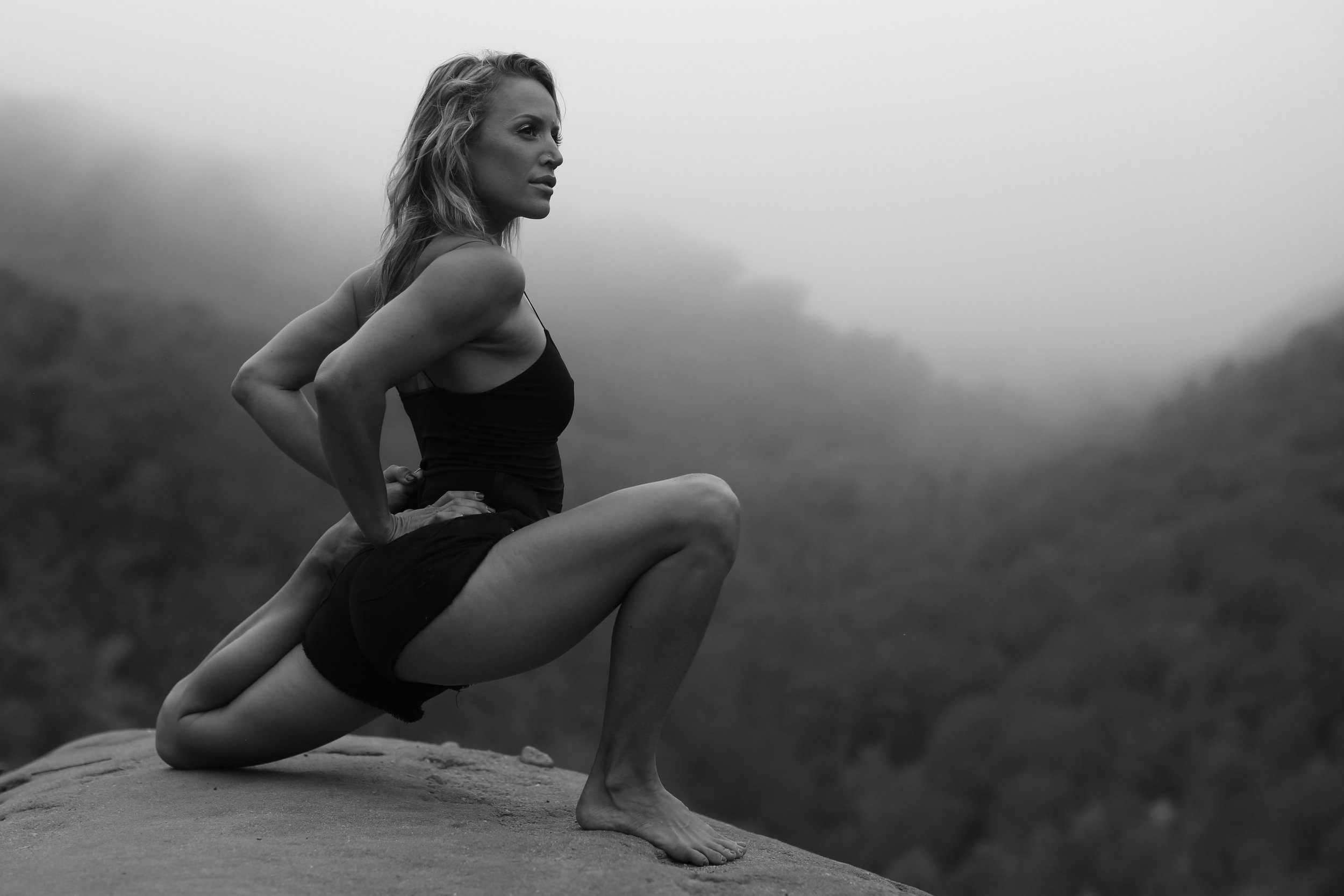 Yoga Headliner : Chelsey Korus