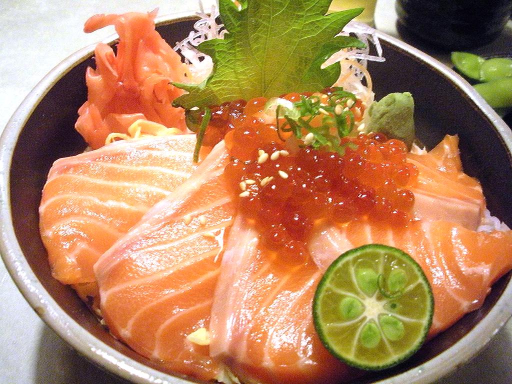 Salmon_Chirashi_Bowl_San_Francisco_Japanese_Restaurant_Kui_Shin_Bo.jpg
