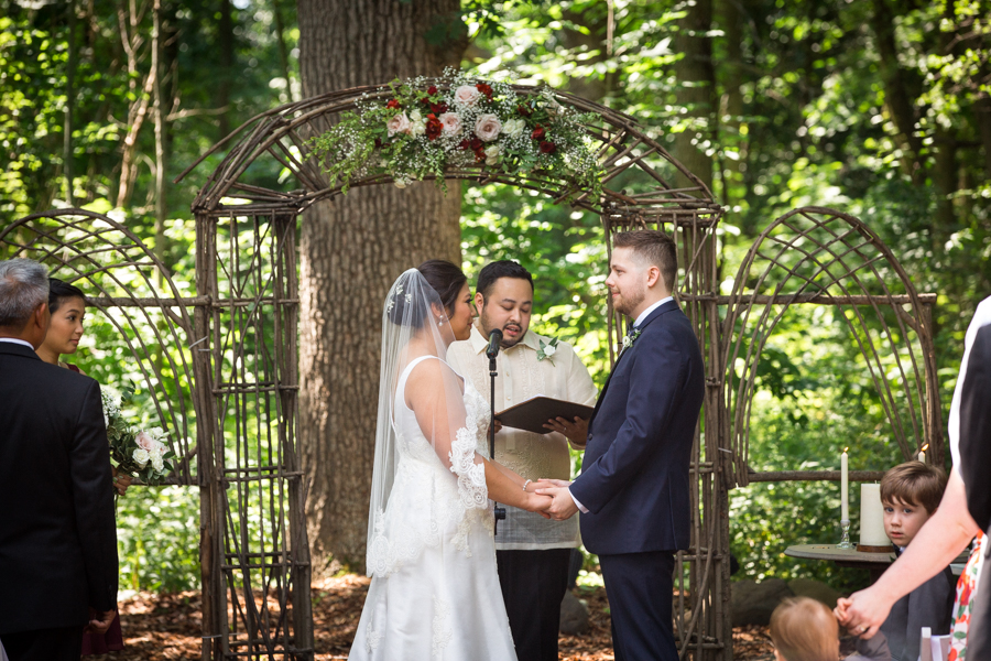 outdoor-wedding-ceremony-chicago-wedding-planner.jpg