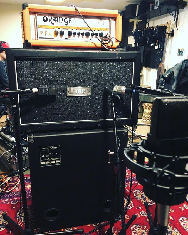 Guitars tonight! This track is sounding sweet!🤘🏻🤘🏻🤘🏻 • • • • • #laney #orangeamps #guitaramps #guitarsofinstagram #guitaristsofinstagram #studiotime #recordingstudio #thursdaynight #newmusic #comingsoon2019 #guitarplayer #recordingsession