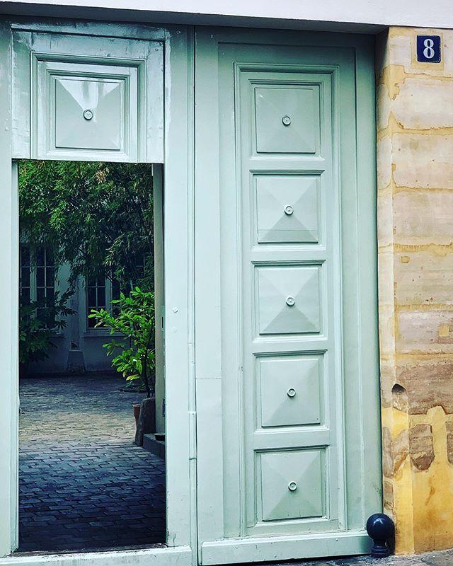 #opendoor #doorway #gate #courtyard #8 #lemarais #paris #france #photography
