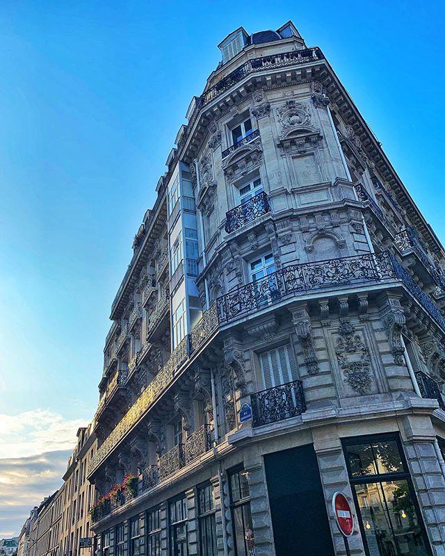 #building #architecture #haussmannien #sunset #walk #marais #paris #france #photography